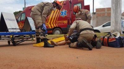 Coxim: Acidente em avenida com obra abandonada deixa mulher ferida