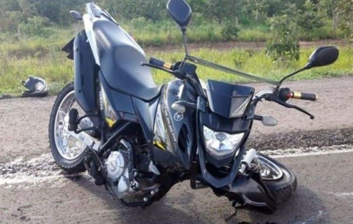 Motociclista morre e passageira fica ferida em colisão com carreta na BR-163