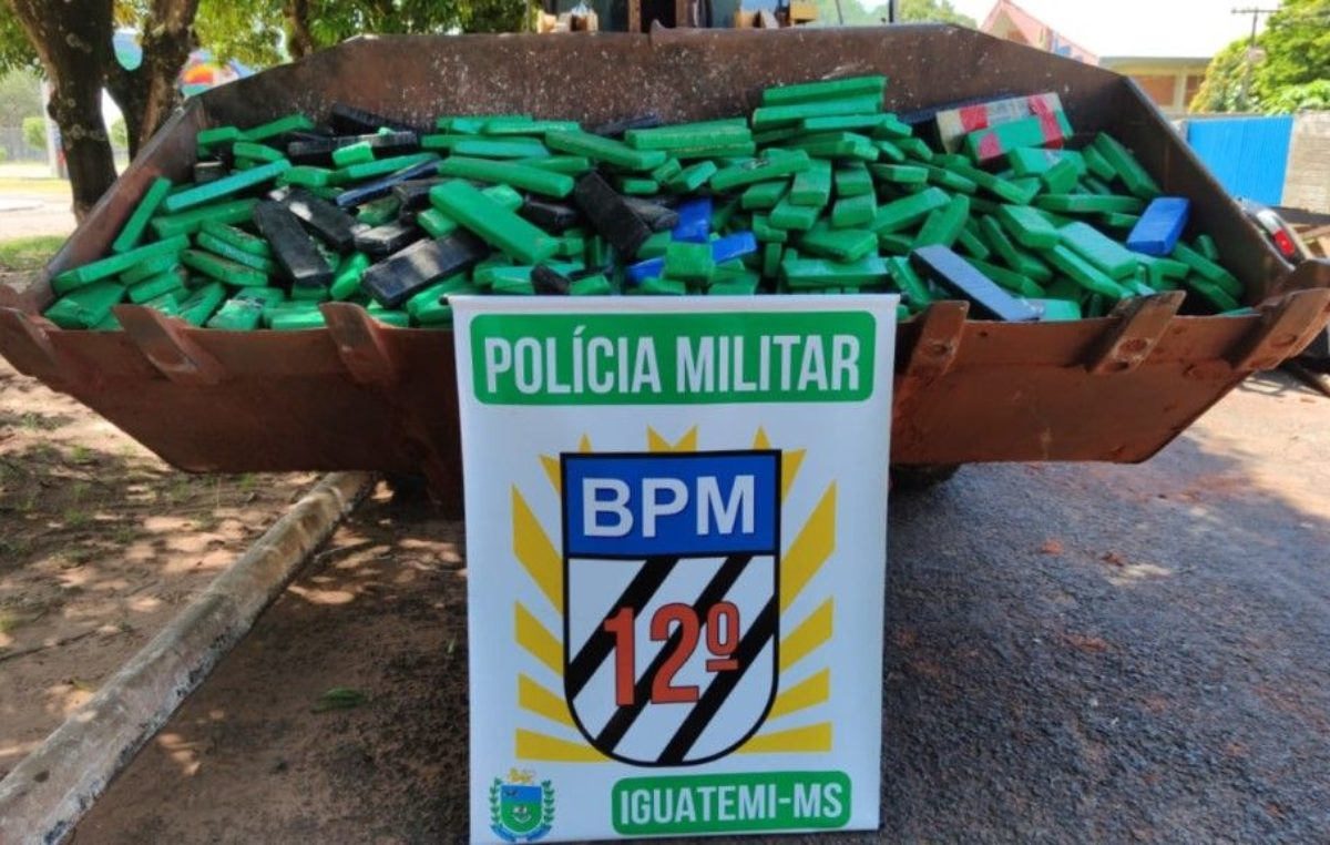 Iguatemi: Polícia Militar apreende 820 quilos de maconha e recupera caminhão