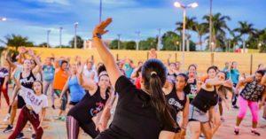 Vida Saudável: Aulão de dança fitness agita Parque Aquático em São Gabriel do Oeste
