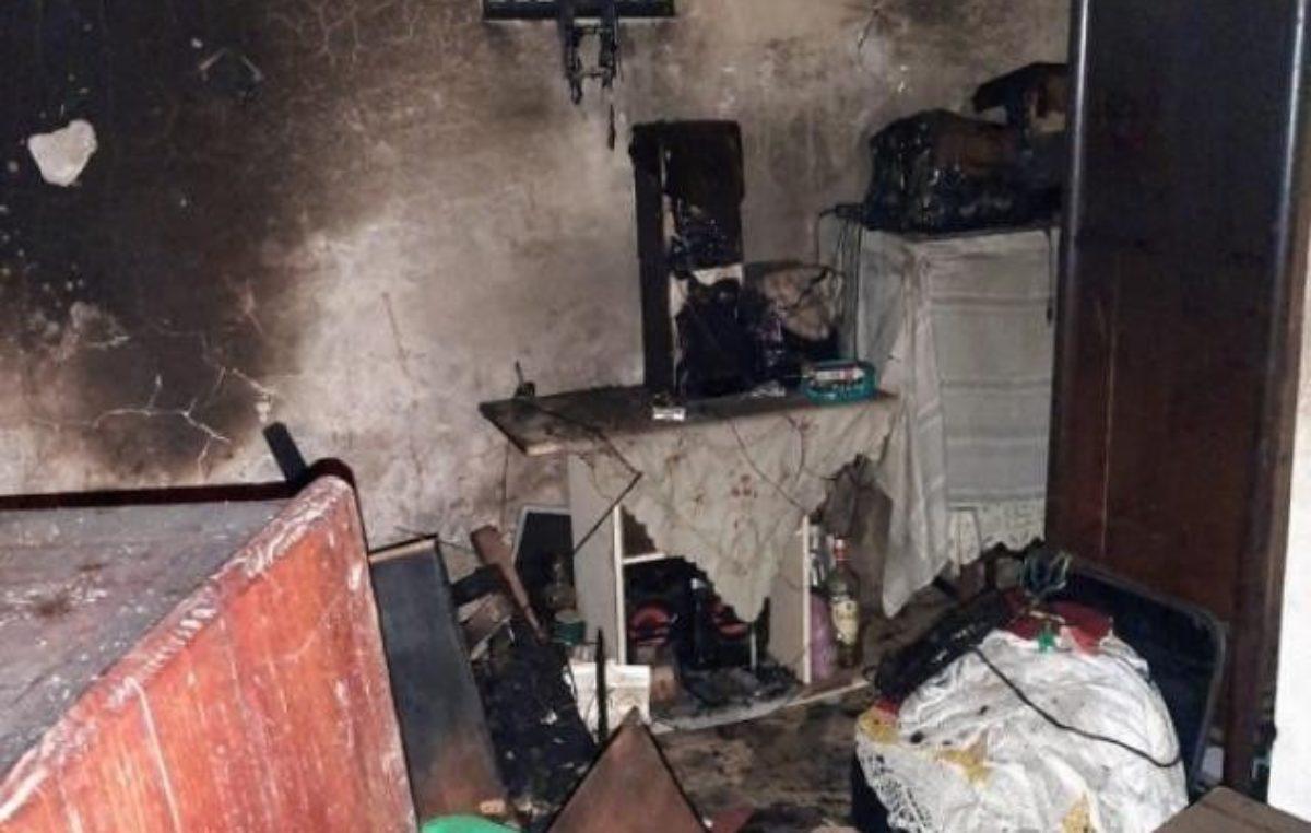 Casa pega fogo e mulher de 64 anos morre asfixiada