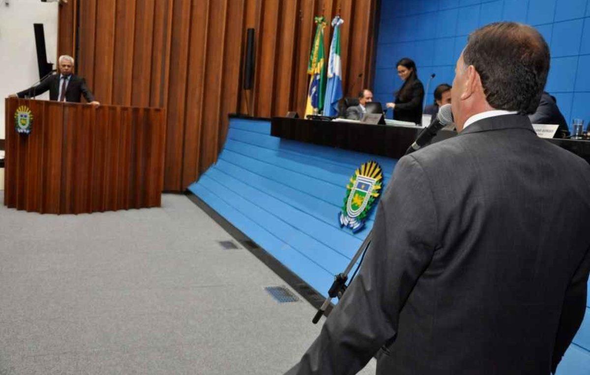 Aumento de Reinaldo no ICMS da gasolina vai impactar no preço da cesta básica, diz deputado